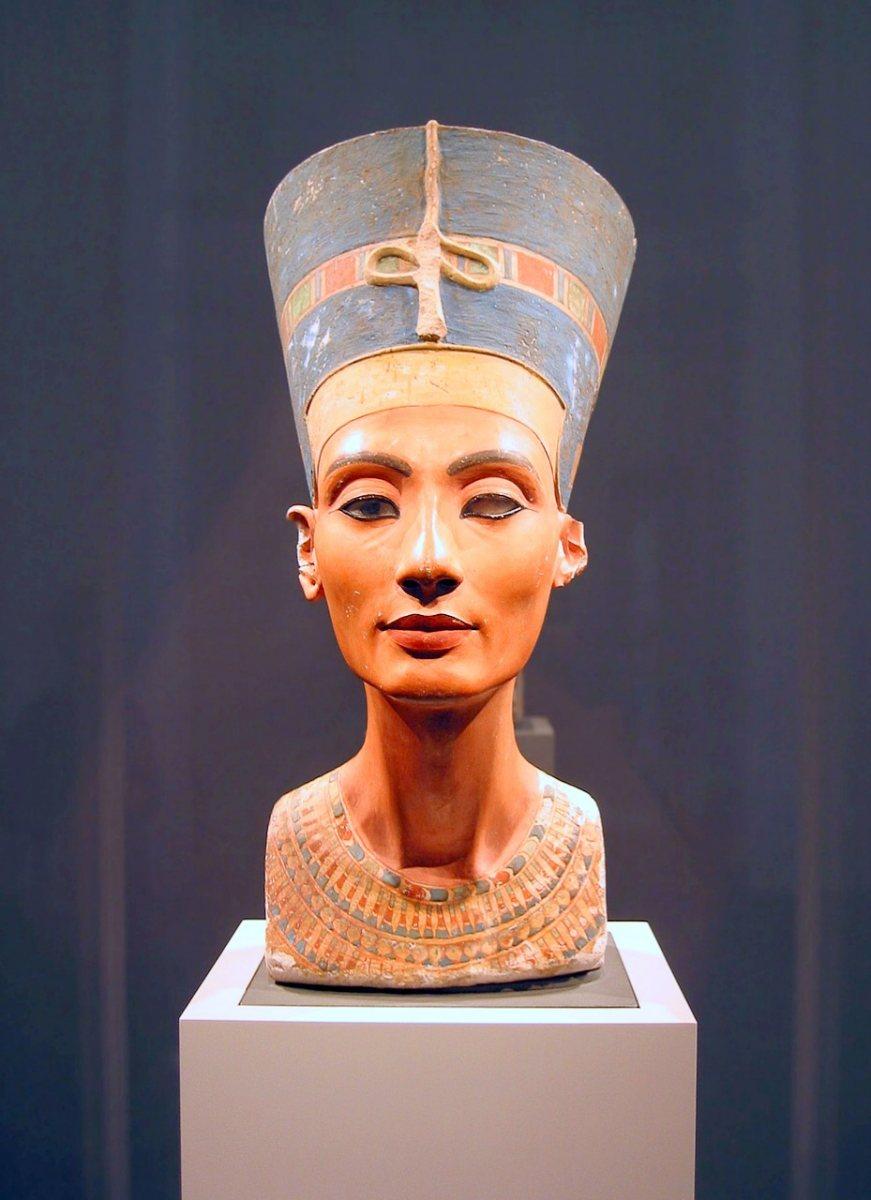 nefertiti-neue-museum-berlin